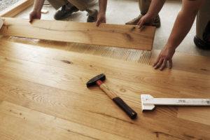 Kenali Kelebihan dan Kekurangan Lantai Berbahan Kayu