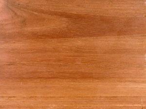 Meja Unik Desain Simpel dengan Pemilihan Warna Tepat